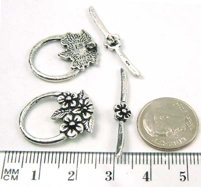 22mm x 16mm Sterling Silver floral toggle T032